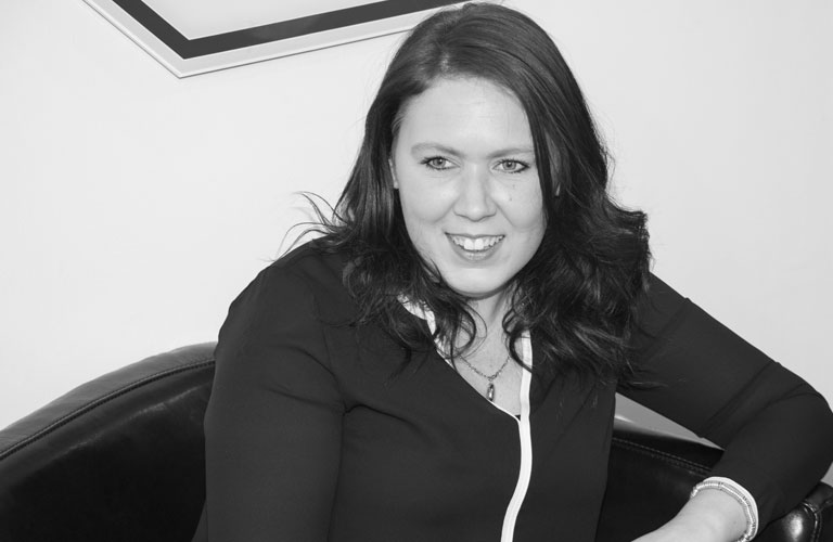 Linzi Macdonald, Negotiator